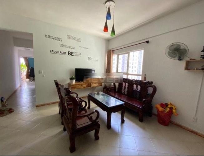 Phòng khách căn hộ Conic Graden, Bình Chánh. Căn hộ Conic Garden nội thất cơ bản, view tầng cao đón gió thoáng mát.