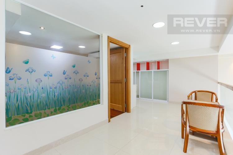 Tầng 2 Duplex 3 phòng ngủ Phú Hoàng Anh tầng cao block C