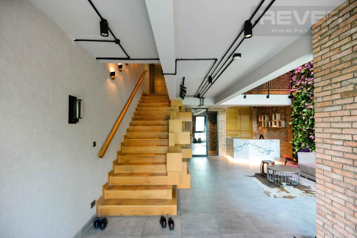 2806c8ea5e73b92de062 Bán shophouse D2Eight 3 phòng ngủ, tầng 8, diện tích 144m2, đầy đủ nội thất, thiêt kế thông tầng