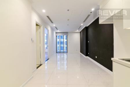 Cho thuê căn hộ Vinhomes Central Park 1PN, tháp Landmark 5, không có nội thất, view hồ bơi
