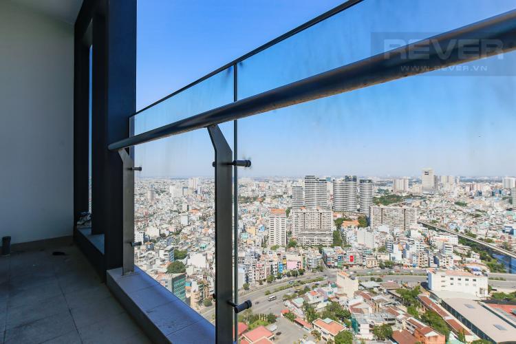 Balcony Căn hộ Vinhomes Golden River tầng cao, 2PN, nội thất cơ bản