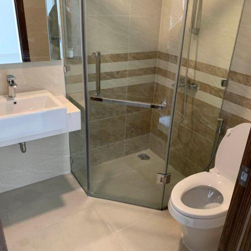 Phòng tắm căn hộ Saigon Royal Căn hộ Saigon Royal nội thất cơ bản cao cấp, view nội khu yên tĩnh.