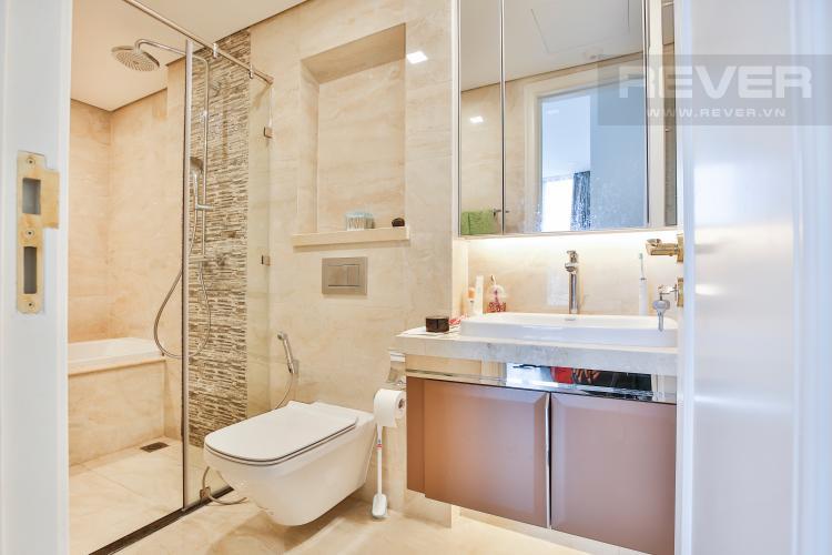 Toilet 2 Officetel Vinhomes Golden River 2 phòng ngủ tầng thấp Aqua 3