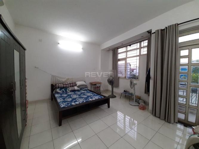 Phòng ngủ căn hộ  Nhà phố Quận 12 hướng Tây Nam, diện tích đất 6mx16m.