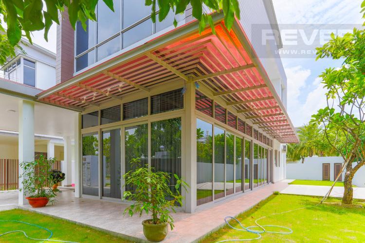 Vườn Biệt thự nghỉ dưỡng 5 phòng ngủ Riviera Cove Quận 9