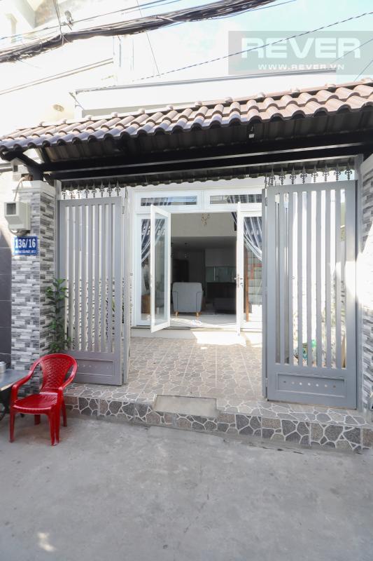 Mặt tiền nhà Bán nhà phố Quận 7, diện tích đất 51m2, đầy đủ nội thất, sổ hồng chính chủ, cách Vòng xoay Tân Thuận 300m