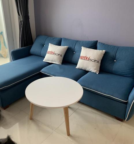 Phòng khách căn hộ Saigon Mia Căn hộ Saigon Mia bàn giao đầy đủ nội thất, view thành phố.