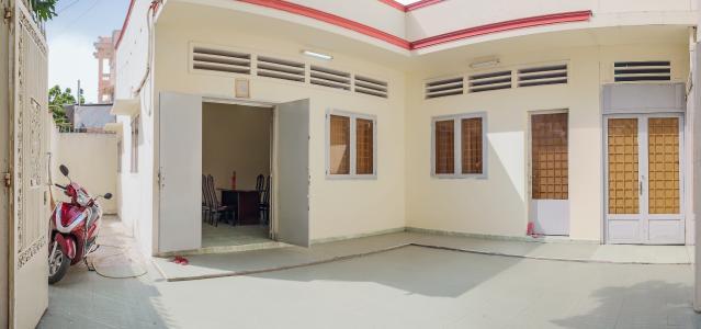 Cho thuê nhà phố mặt tiền, diện tích 180m2, có thể làm nhà xưởng, kho bãi, văn phòng