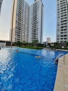 Bán căn hộ Sunrise Riverside tầng trung, diện tích 83.15m2 - 3 phòng ngủ, đầy đủ nội thất