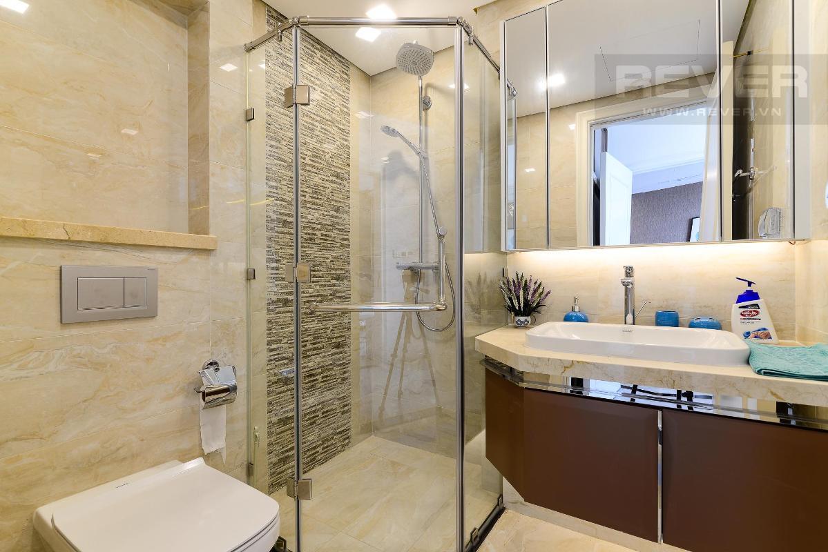 1221852b9d5b7b05224a Cho thuê căn hộ Vinhomes Golden River 2PN, diện tích 72m2, đầy đủ nội thất, view sông Sài Gòn và Bitexco