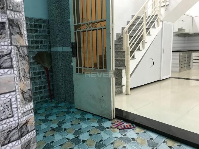 Nhà phố 40m2 hẻm đường Huỳnh Văn Bánh, nội thất cơ bản