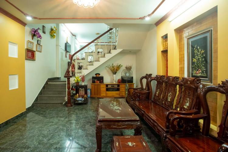 Phòng khách nhà Hoàng Hoa Thám, Bình Thạnh Nhà phố Hoàng Hoa Thám 80.5m2, sân thượng thoáng mát.