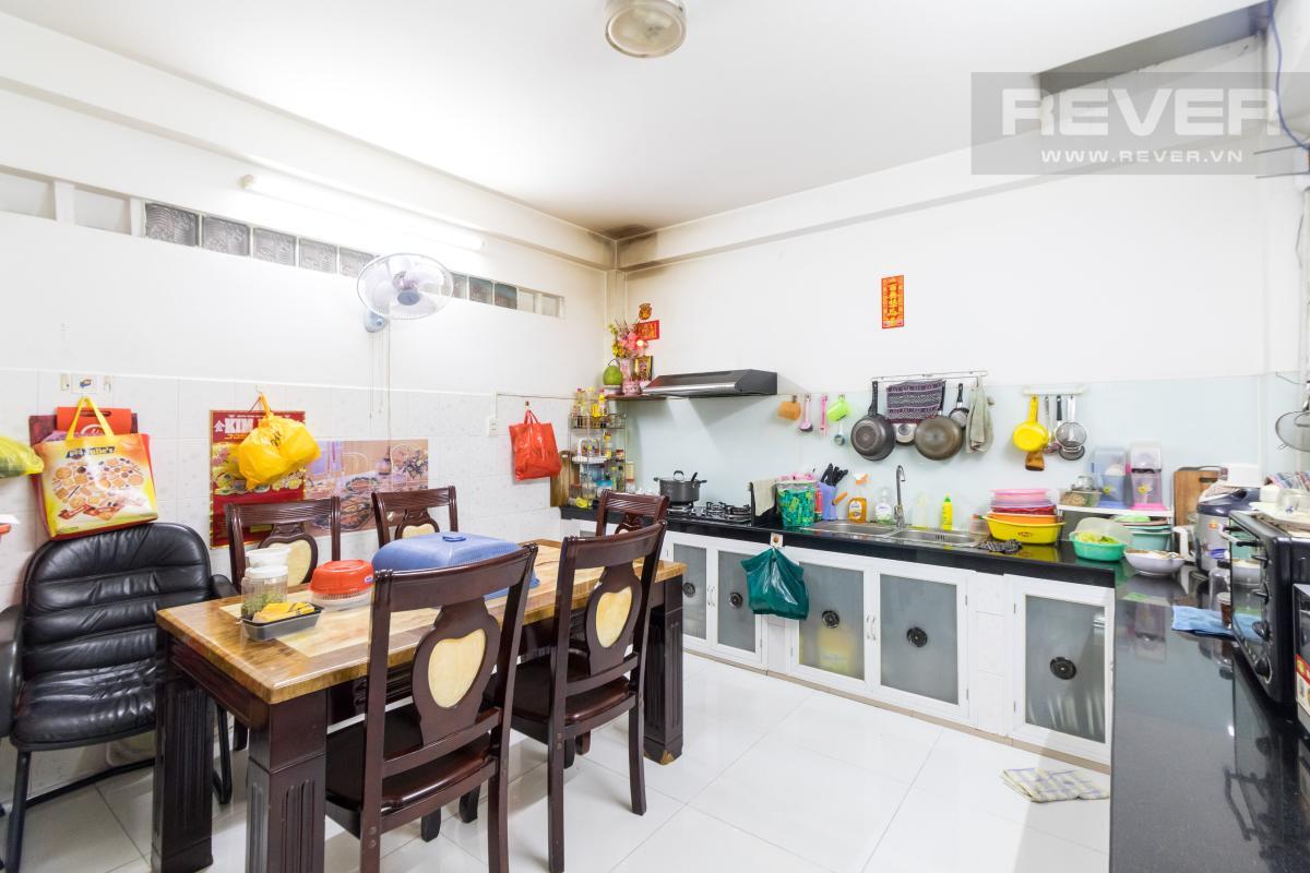 nha-pho-quan-5 Bán nhà hẻm Trần Hưng Đạo, Quận 5, đầy đủ nội thất, sổ hồng chính chủ, gần cầu Nguyễn Tri Phương