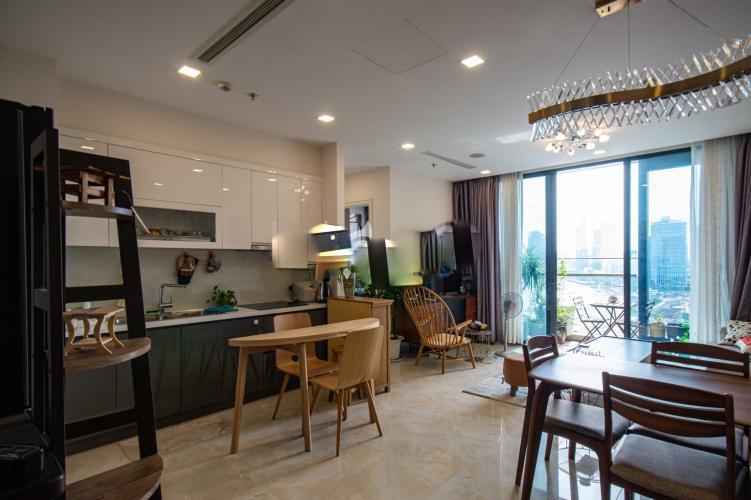 Bán căn hộ Vinhomes Golden River 2 phòng ngủ tầng trung view đẹp, diện tích 73m2