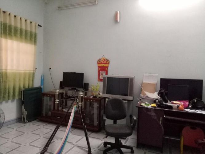 Bán nhà phố 1 tầng Phường Tân Phú, quận 9, nội thất cơ bản.