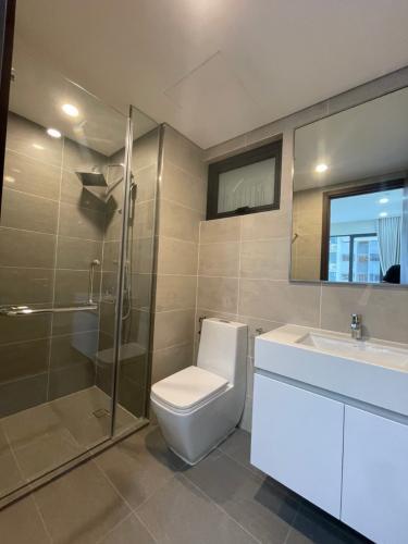 Phòng tắm One Verandah Quận 2 Căn hộ One Verandah nội thất hoàn thiện, view thành phố.
