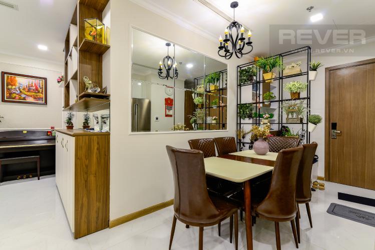 Phòng Ăn Căn hộ Vinhomes Central Park 3PN đầy đủ nội thất, view hồ bơi
