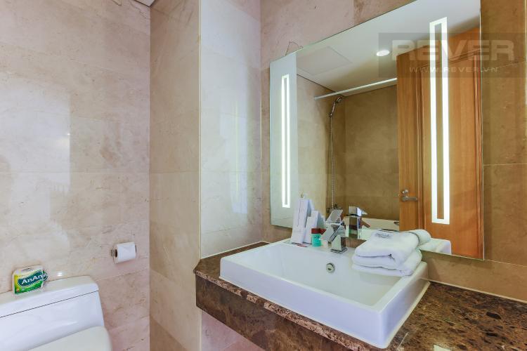 Phòng tắm 2 Duplex 1 phòng ngủ Saigon Pavillon nội thất đầy đủ