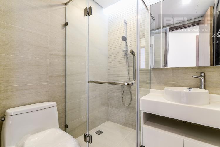 Phòng Tắm 1 Căn hộ Vinhomes Central Park tầng cao Park 4 nội thất cơ bản