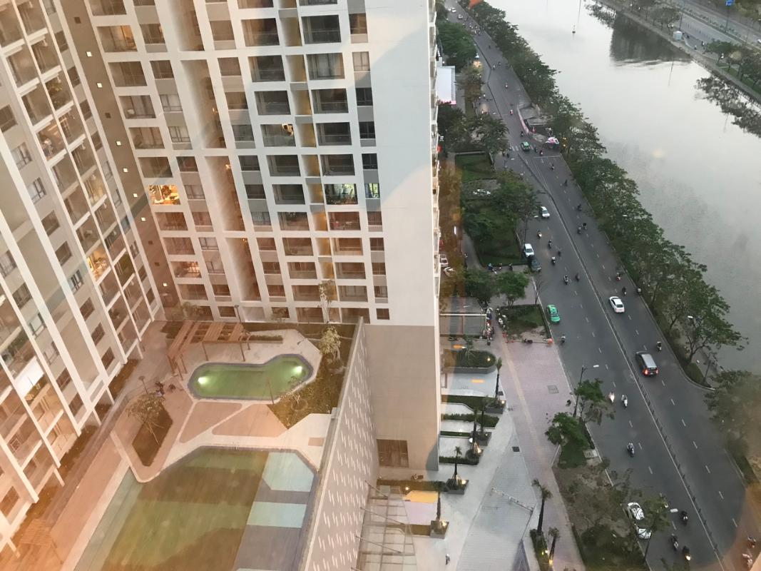 5 Bán căn hộ The Gold View 3PN, tầng trung, diện tích 116m2, nội thất cơ bản, view kênh Bến Nghé và Quận 1