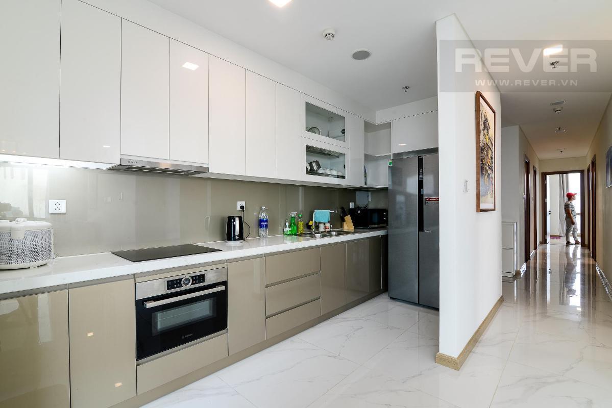 09 Bán hoặc cho thuê căn hộ Vinhomes Central Park 4PN, tháp Landmark 81, diện tích 164m2, đầy đủ nội thất, căn góc view thoáng