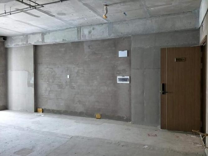 Căn hộ Scenic Valley tầng thấp bàn giao thô không có nội thất.