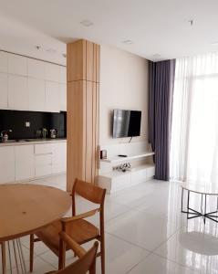 Cho thuê căn hộ Vinhomes Central Park 2PN, tháp Park 7, diện tích 88m2, đầy đủ nội thất