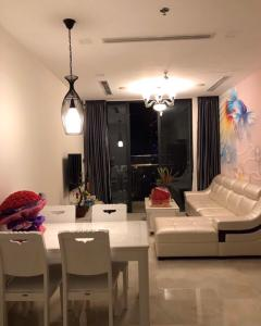 Bán căn hộ Vinhomes Golden River 1 phòng ngủ, tháp The Aqua 4, đầy đủ nội thất, view Landmark 81