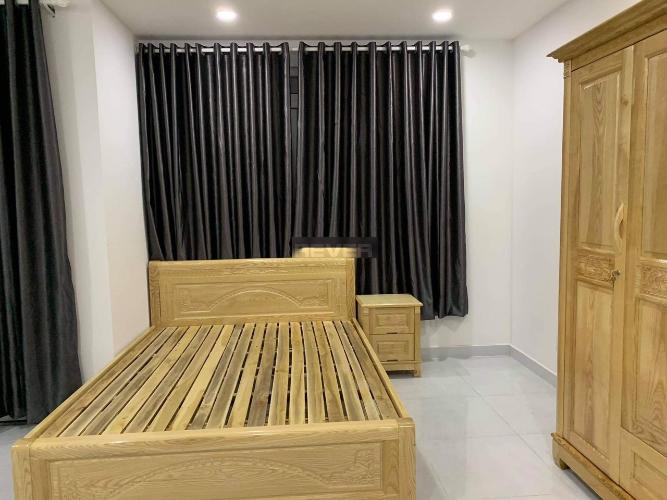 Phòng ngủ nhà phố Cách Mạng Tháng 8, Quận 3 Nhà phố hẻm trung tâm quận 3, hướng Nam, hẻm ba gác rộng rãi.