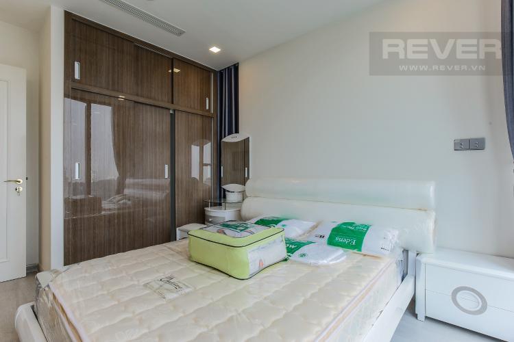Phòng Ngủ 1 Căn hộ Vinhomes Golden River tầng trung tòa Aqua 3 diện tích 57m2, đầy đủ nội thất