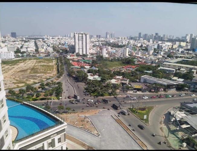 Bên ngoài tòa nhà Sunrise City View Bán office-tel Sunrise City View nhìn về phía Bitexco, dọn vào ngay.