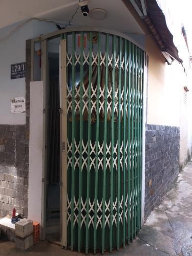 Bán nhà phố Nguyễn Hữu Cảnh, hẻm xe máy, không nội thất