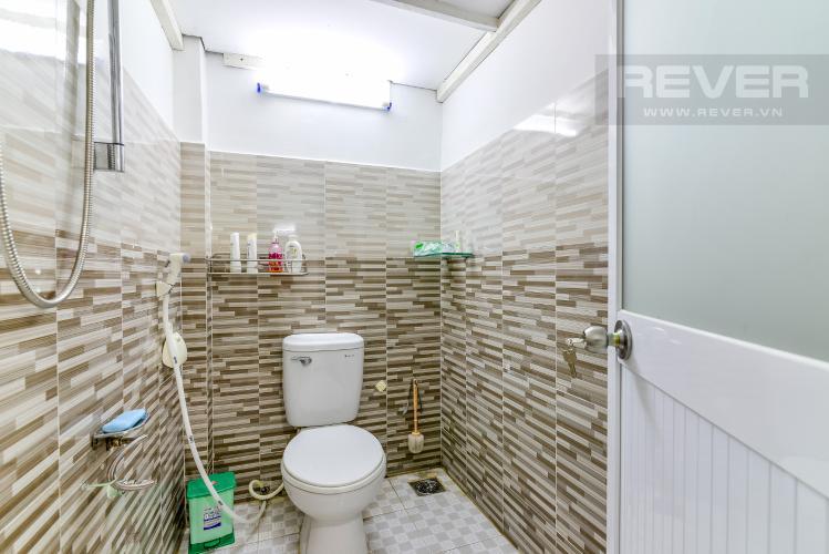 Phòng Tắm 1 Bán nhà phố Nguyễn Duy sổ đỏ chính chủ, nội thất đầy đủ