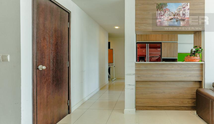 Phòng Bếp Và Lobby Căn hộ Sunrise City tầng thấp, tháp V6, 3 phòng ngủ, full nội thất