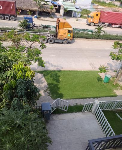 Nhà phố mặt tiền đường Nguyễn Thị Tư, thuận tiện kinh doanh