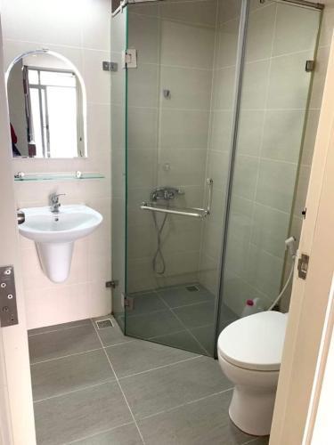 Phòng tắm căn hộ Luxcity Căn hộ LuxCity view thành phố thoáng mát, đầy đủ nội thất.
