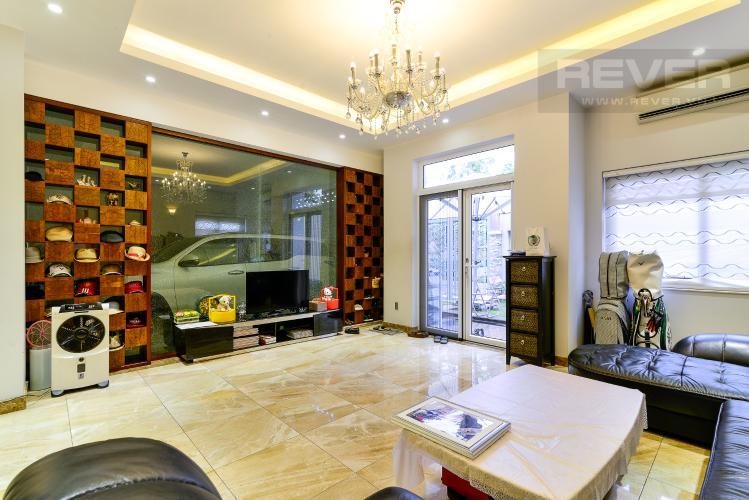 Phòng Khách Cho thuê biệt thự Khu dân cư An Phú, hướng Đông Nam, thiết kế sang trọng, đầy đủ nội thất