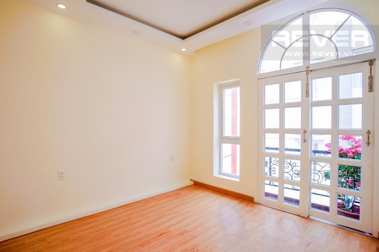Phòng Ngủ Tầng 2 Bán nhà phố đường Huỳnh Văn Bánh 43.8m2, 3 lầu 5PN 4WC, view khu dân cư