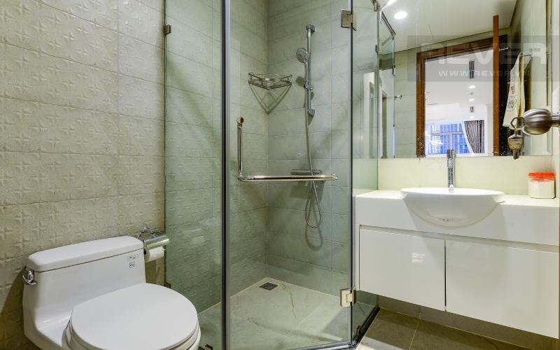 phòng tắm 2 Căn hộ Vinhomes Central Park trung tầng Landmark 1 view nội khu