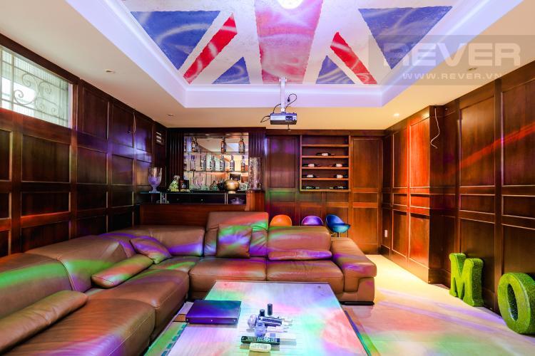 Phòng Giải Trí Karaoke Nhà phố đường Lê Văn Lương, Quận 7, 3 tầng, nội thất đầy đủ, sổ đỏ chính chủ