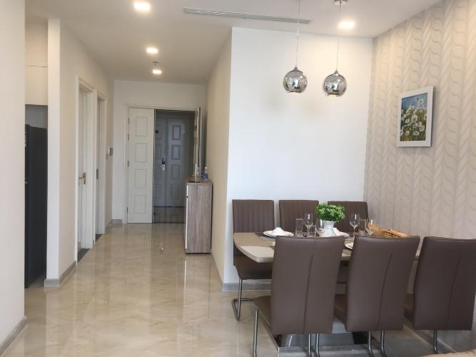 Phòng khách căn hộ Vinhomes Golden River Bán căn hộ Vinhomes Golden River tầng cao, diện tích 68m2 - 2 phòng ngủ, đầy đủ nội thất.