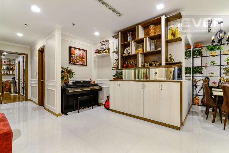 Trang Trí Căn hộ Vinhomes Central Park 3PN đầy đủ nội thất, view hồ bơi