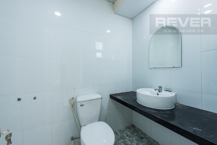 Phòng tăm 1 Cho thuê nhà đường Phạm Ngũ Lão, 2 tầng, diện tích rộng rãi