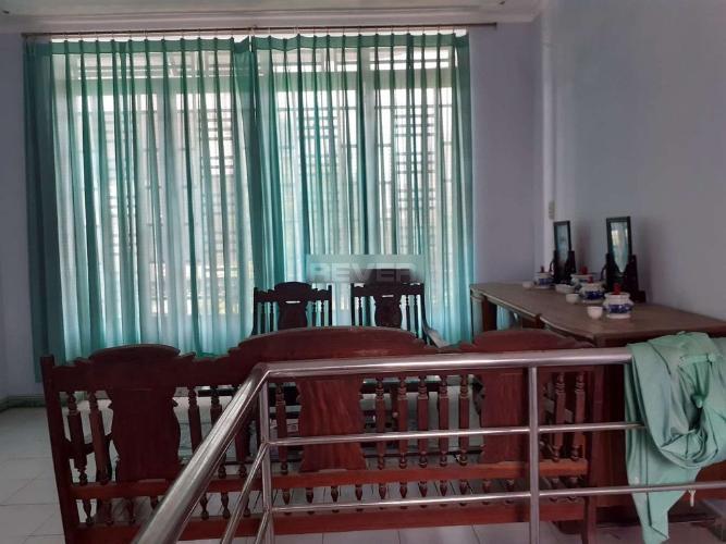 Phòng khách nhà Phước Long B Quận 9 Nhà đường số 185 Phước Long B, 2 mặt tiền 51m2.
