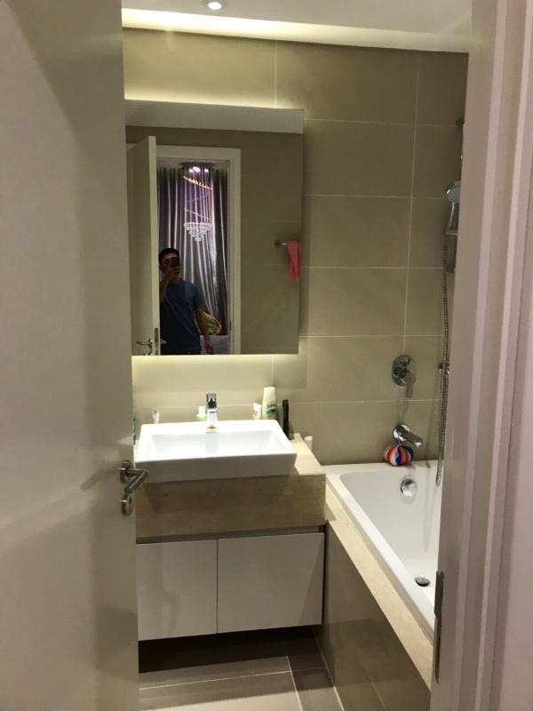 WC Cho thuê căn hộ Diamond Island - Đảo Kim Cương 2PN, tháp Bora Bora, đầy đủ nội thất, hướng Đông
