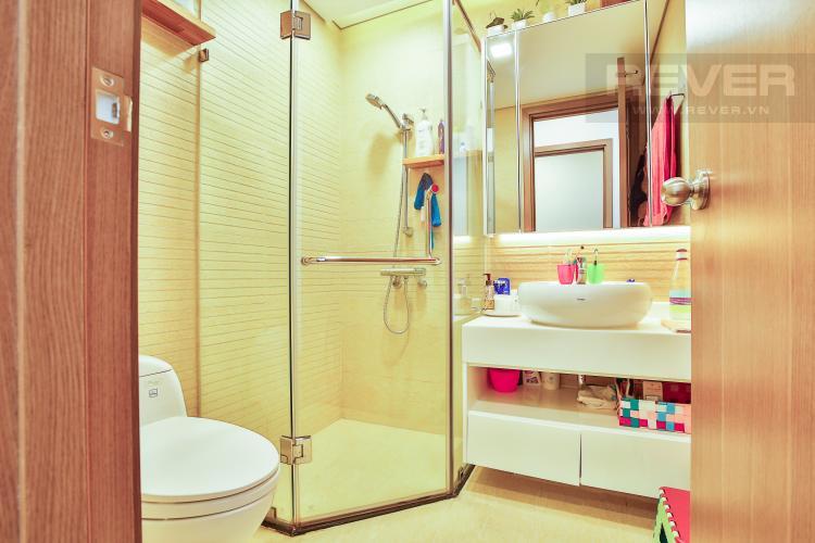 Toilet Căn góc Vinhomes Central Park 3 phòng ngủ tầng cao Park 5 view sông