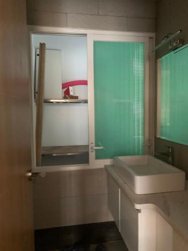 nhà tắm căn hộ Lakeview 2 Căn hộ Thủ Thiêm Lakeview đầy đủ nội thất, view thành phố.