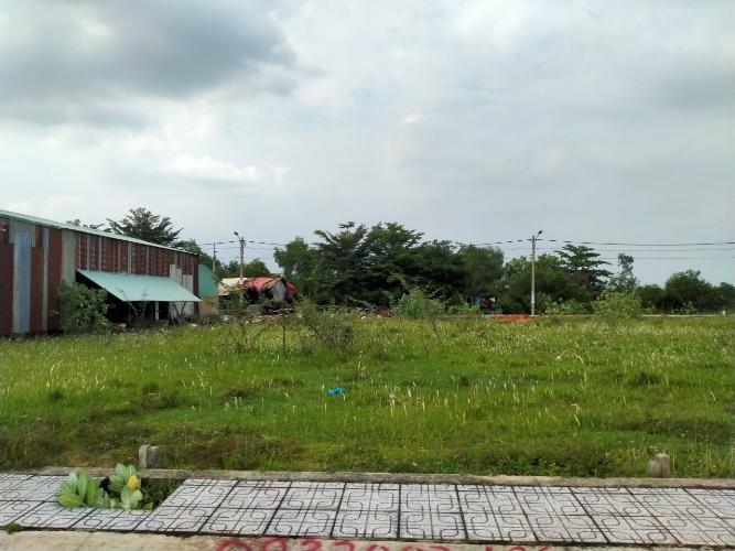 Bán đất nền phường Long Phước, sổ hồng đầy đủ, diện tích đất 60m2.