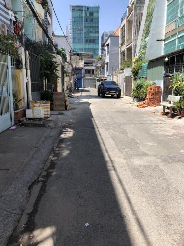 Đường vào nhà phố Bình Thạnh Bán nhà phố Đường Đinh Bộ Lĩnh, phường 26, Bình Thạnh, diện tích đất 85.1m2, diện tích sử dụng 246.2m2.