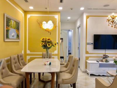 Bán hoặc cho thuê căn hộ Vinhomes Golden River 2PN, đầy đủ nội thất, view sông Sài Gòn và bán đảo Thủ Thiêm